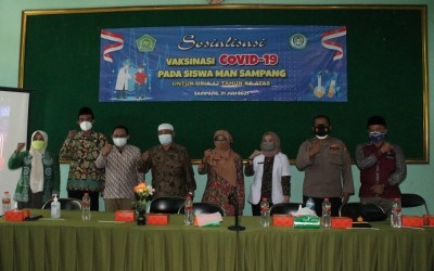 Sosialisasi Vaksinasi Covid-19 di MAN Sampang
